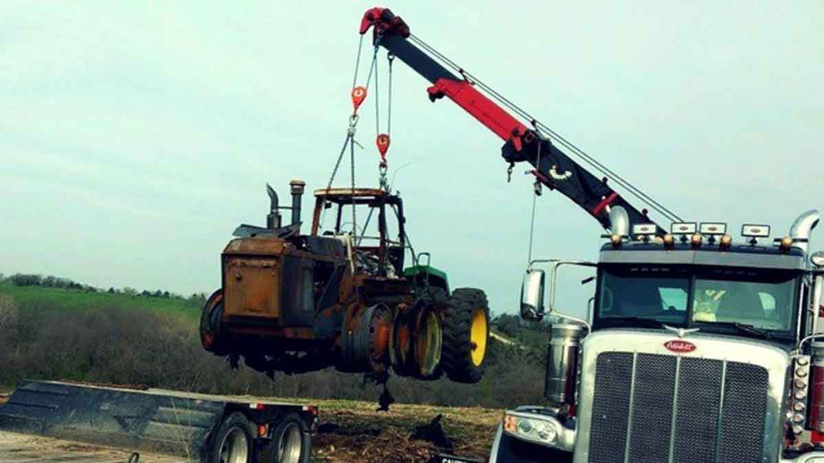 Ag Equipment Hauling